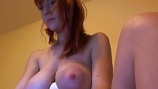 I've never had a thing for redheads but this camgirl is a centerfold
