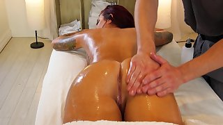 Fucking hot client with big boobs Tana Lea is fucked after intimate massage session