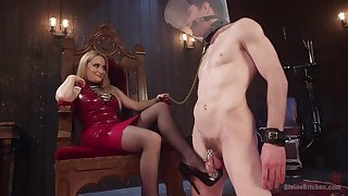 Facesitting blonde Aiden Starr tortures her male slave with pegging