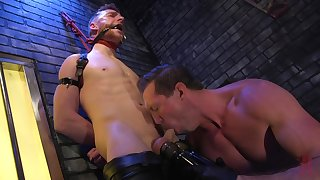 Gay lovers provide harsh BDSM action