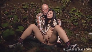 Quickie fucking in the local woods with a provocative Japanese babe