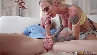 inked delivery babe Sarah Jessie gets surrounding than a honorarium from a hung lady's man