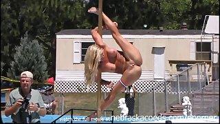 hot pole dances of essential girls