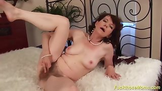 69 years old hairy mommy rough made love