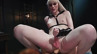 Lianna Lawson gets her pussy pounded by tranny Maya Kendrick